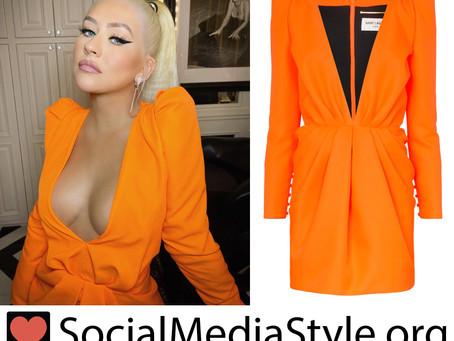 Christina Aguilera's plunging orange dress