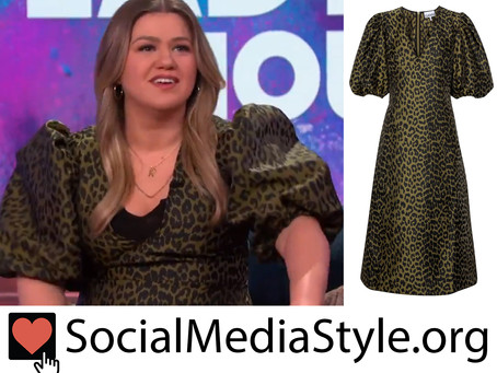 Kelly Clarkson's green leopard print puff sleeve dress from The Kelly Clarkson Show