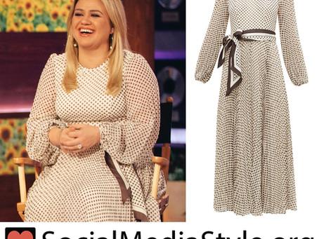 Kelly Clarkson's polka dot dress from The Kelly Clarkson Show