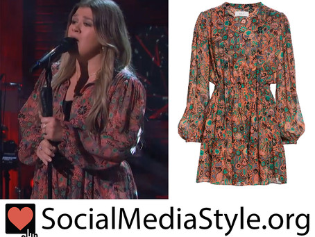 Kelly Clarkson's coral floral print dress from The Kelly Clarkson Show