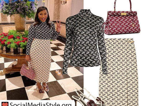 Mindy Kaling's Tory Burch floral stencil print outfit and flower sandals