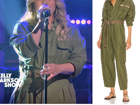 Kelly Clarkson's green jumpsuit from The Kelly Clarkson Show