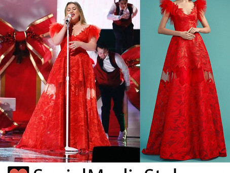 Kelly Clarkson's red gown from The Voice
