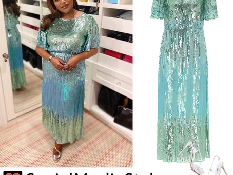 Mindy Kaling's sequin dress and silver sandals from the E! People's Choice Awards