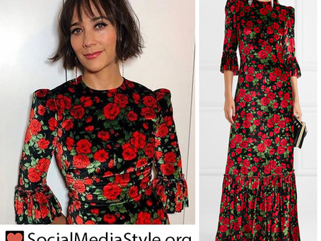 Rashida Jones' floral print velvet dress