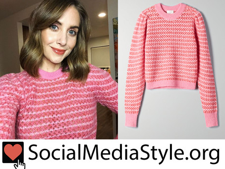 Alison Brie's pink sweater