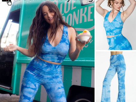 Kacey Musgraves' blue tie dye tank top and pants set