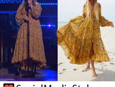 Kelly Clarkson's yellow floral print dress from The Kelly Clarkson Show