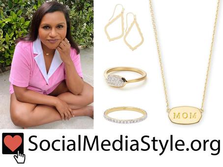 Mindy Kaling's Kendra Scott jewelry