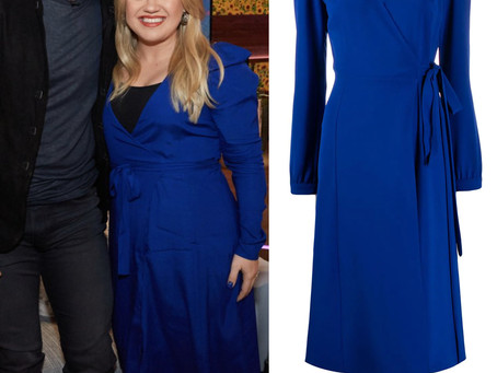 Kelly Clarkson's blue wrap dress from The Kelly Clarkson Show