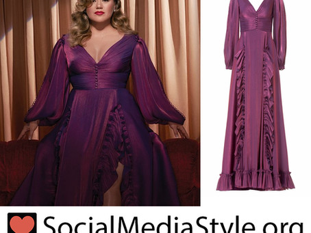 """Kelly Clarkson's purple balloon sleeve gown from her """"When Christmas Comes Around"""" cover art"""