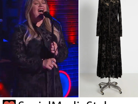 Kelly Clarkson's black lace dress from The Kelly Clarkson Show