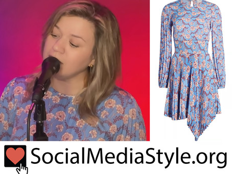 Kelly Clarkson's blue floral print dress from the Kelly Clarkson Show