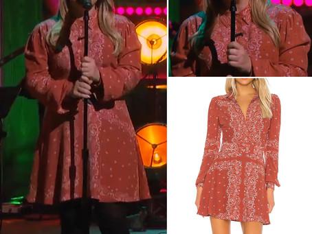 Kelly Clarkson's red bandana print dress from The Kelly Clarkson Show
