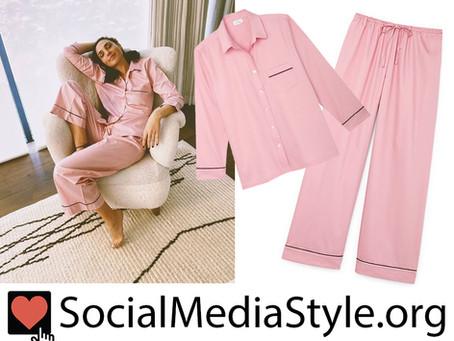 Gal Gadot's pink pajamas