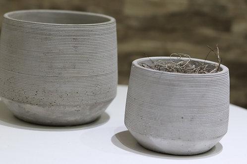Pote de Cemento gris rayado