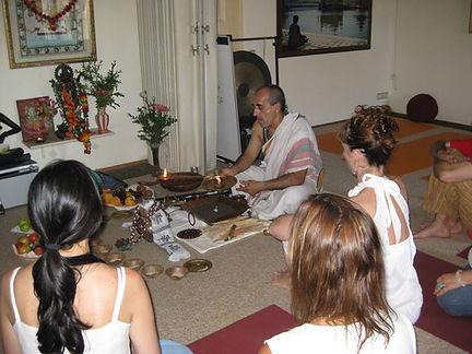 Equilibrium. Bhakti Yoga Shala. Barcelon