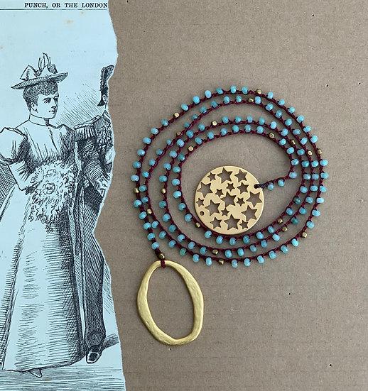 Colar Comprido Crochet Fio seda Bordeaux Placa de Estrelas/Argola Oval