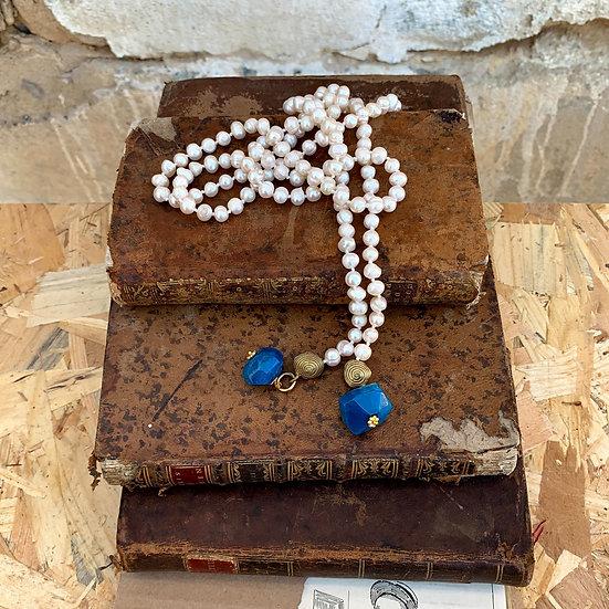 colar pérolas do rio enfiadas com nós terminais bronze/ágata azul