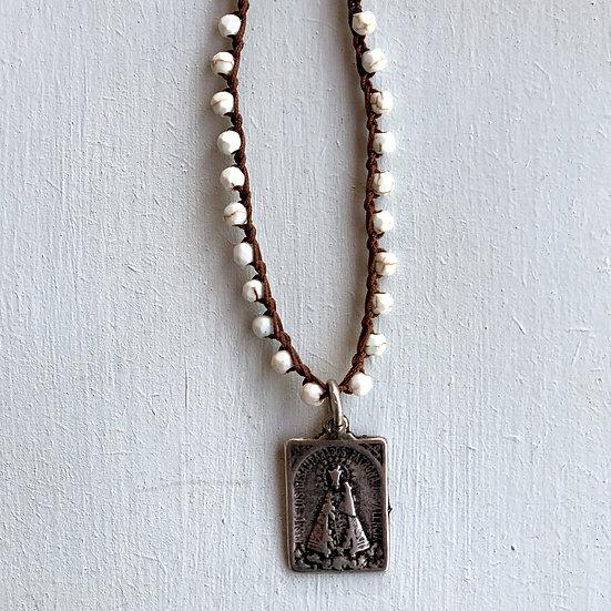 colar  ajustável handmade pedras brancas escapulário prata