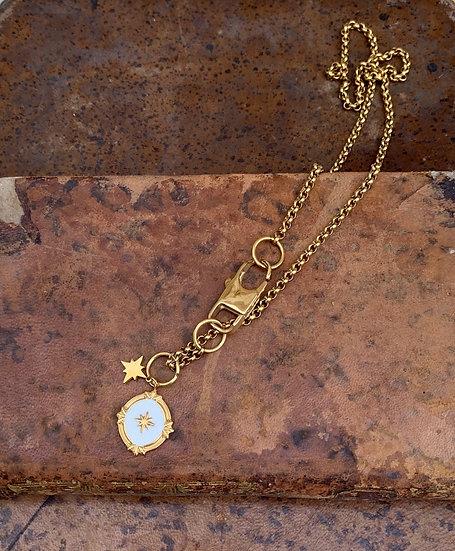 colar aço MARIA, medalha esmaltada branca estrela