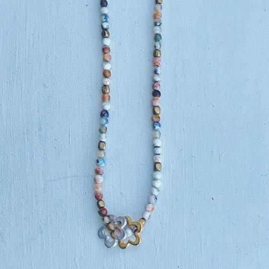 colar FLÔR/ ajustável ágatas azuis mescladas -flor prateada&dourada