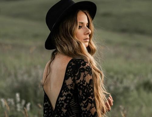 Review: Ashley Reed - Still Hiding