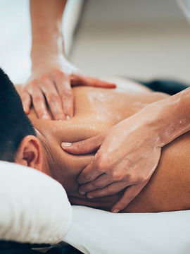 sports-massage-picture-id511362136.jpg