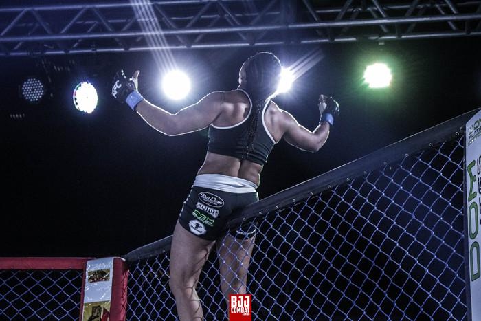 Foco e determinação: atleta cearense de MMA desponta na cena internacional