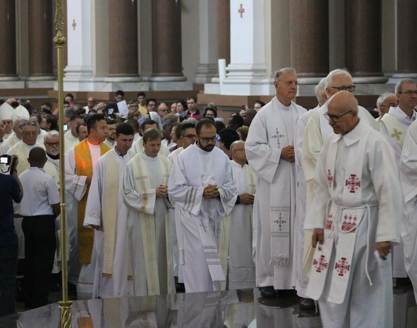 Clero renova sacerdócio