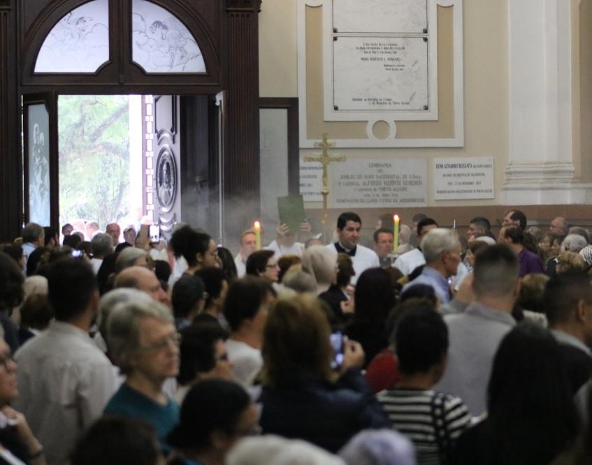 Início da Missa dos Santos Óleos