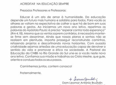"""""""Acreditar na Educação sempre"""": carta aos professores neste início de ano letivo"""