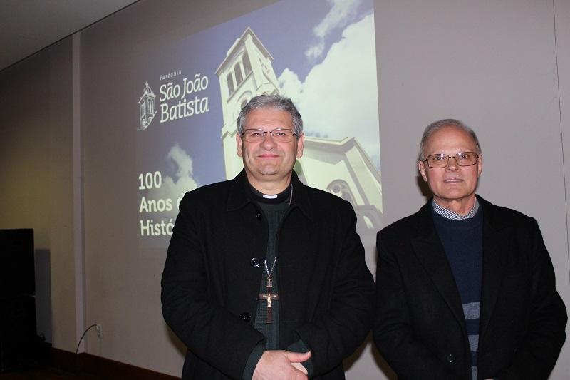 Dom Adilson e Padre Renato.