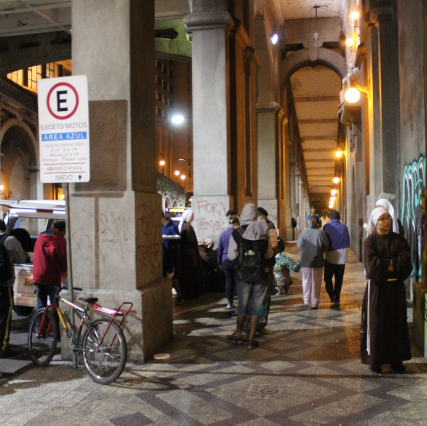 Abordagem no viaduto da Av. Borges de Medeiros.