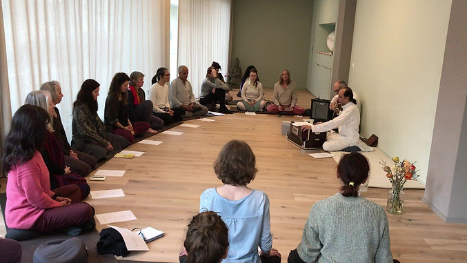 Mantra Workshops in Europe with genuine approach