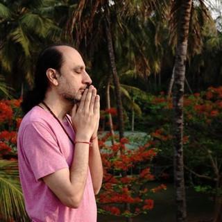 Musica meditativa de la India con Manish Vyas