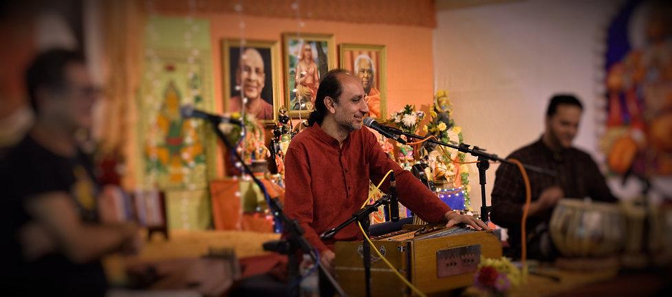 Manish Vyas Kirtan at Sivananda Bahamas