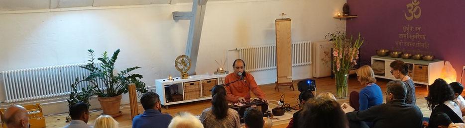 Mantra gatherings wih Manish Vyas