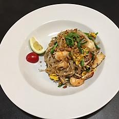 7. Tagliatelle Thailandesi con gamberi (o pollo)/Pad Thai with Shrimps (or Chicken)/泰国虾(或鸡)炒河粉