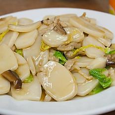 C5. Gnocchi di riso saltati/Stir-fried rice cake with beef and veg/沪式炒年糕