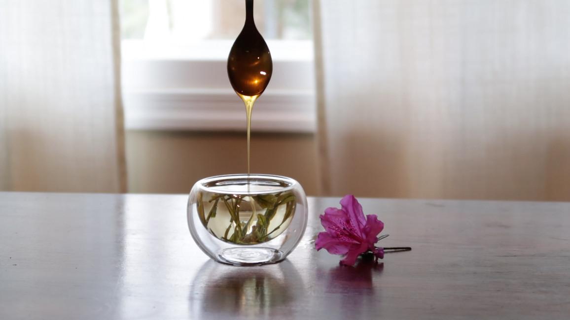 Tea and Wildflower Honey by Jenn Robinson @tealeavesandtweed