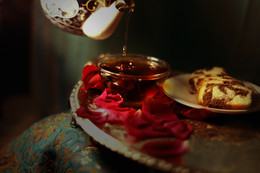 Tea & Cake by Farzaneh Saeedan @fs_1364