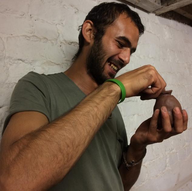 Ahmed pinching