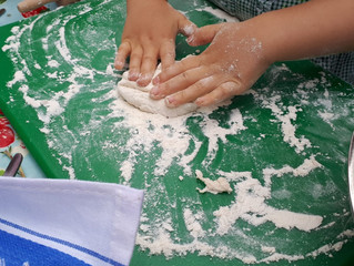 VEGGIE TALES #3: GARLIC FLAT BREADS WITH TOMATO SALSA