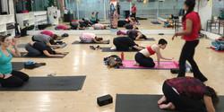 Prática de yoga ...