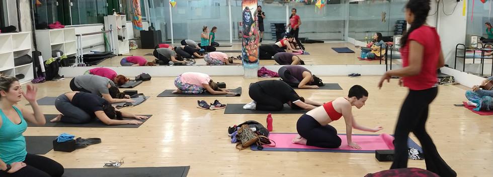Celebrando dia Internacional do yoga
