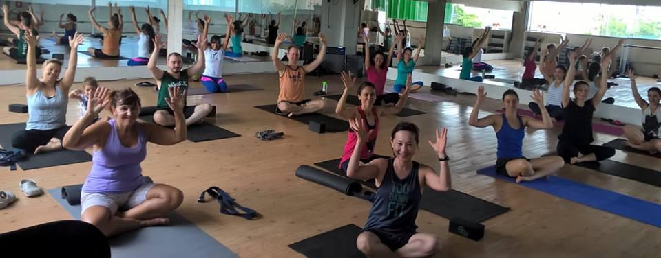Yoga dedicada a aluna Cecília