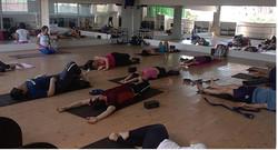 Um momneto no yoga para relaxar