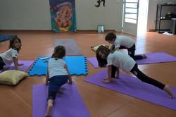 yoga com crianças