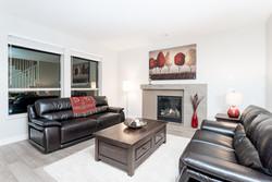 020 Living Room_DSC00986